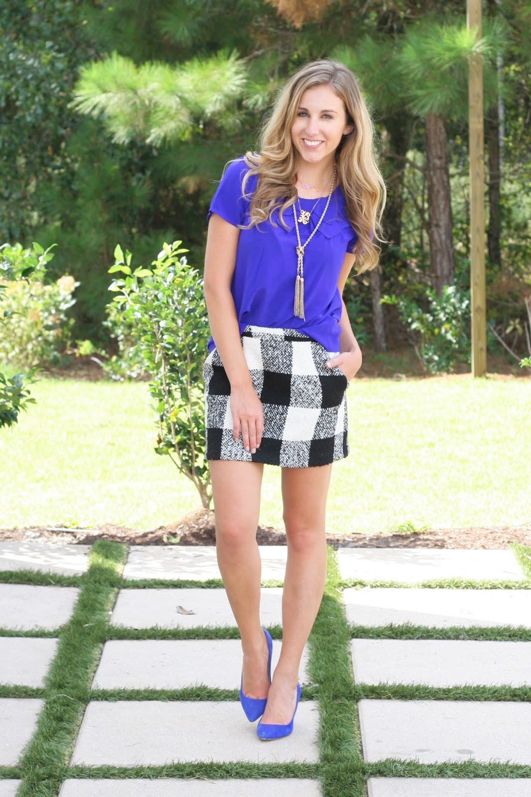 Black-and-white-checked-wool-skirt-for-fall
