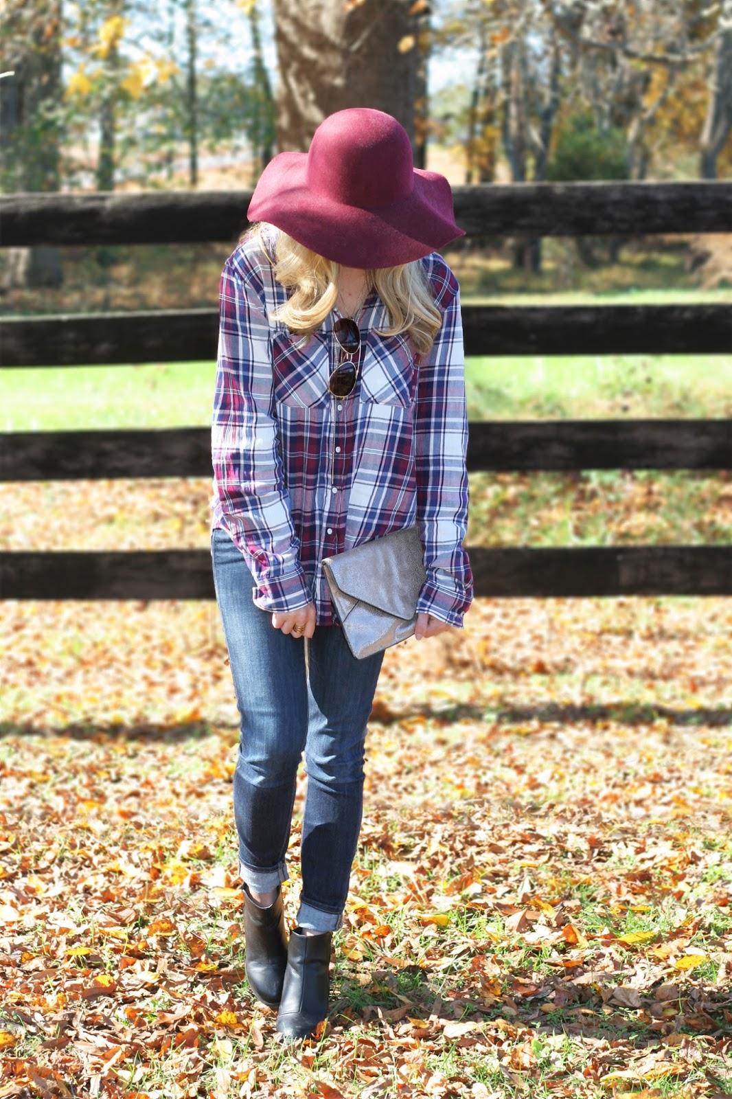 felt-floppy-hat-for-fall-cute-fall-portrait