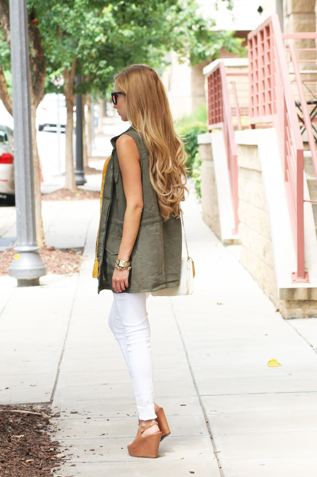 Military-cargo-jacket-vest-layers-street-style-fashion-blogger