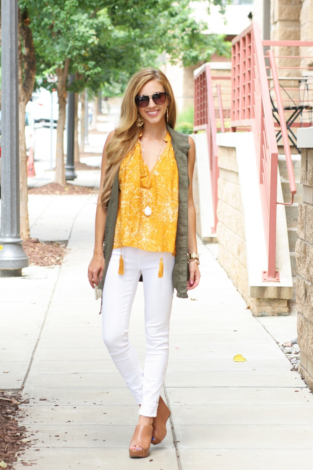Sara-kate-styling-Steadman-raleigh-nc-fashion-blogger-frill-shark-tank-