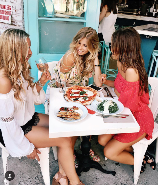 How-to-make-new-girl-friends-bumble-bff-dinner-club